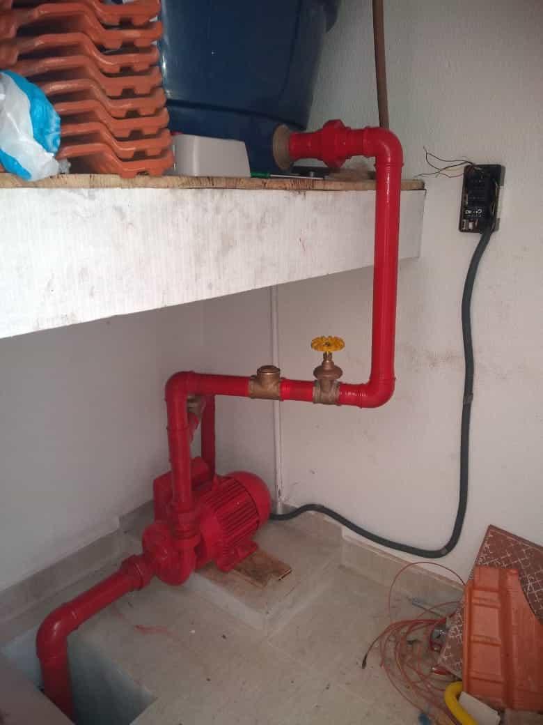 Tubulação do Hidrante em um Edificio